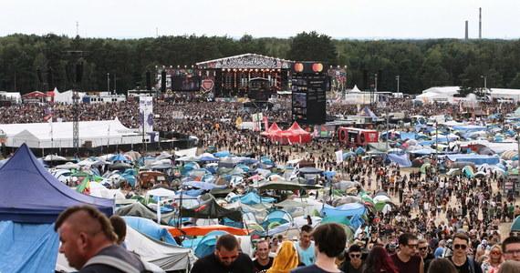 Z powodu epidemii koronawirusa Fundacja Wielkiej Orkiestry Świątecznej Pomocy odwołała zaplanowany na przełom lipca i sierpnia 26. Pol'and'Rock Festival w Kostrzynie nad Odrą, znany niegdyś jako Przystanek Woodstock. Organizatorzy zapowiedzieli natomiast wirtualną odsłonę imprezy.