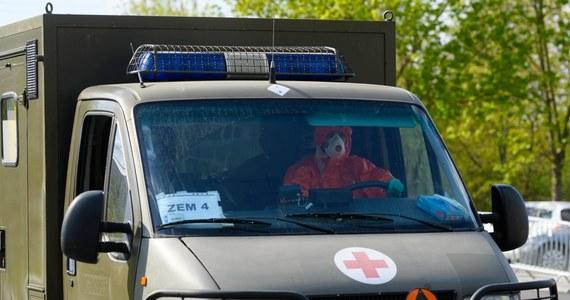 Testy serologiczne wykonywane wśród naszego personelu medycznego, mającego bezpośredni kontakt z zakażonymi wirusem SARS-CoV-2, a więc tych z oddziału zakaźnego i Szpitalnego Oddziału Ratunkowego wskazują, że nawet 15 proc. uodporniło się na niego bezobjawowo – zauważył generał dyw. prof. Grzegorz Gielerak, dyrektor Wojskowego Instytutu Medycznego.