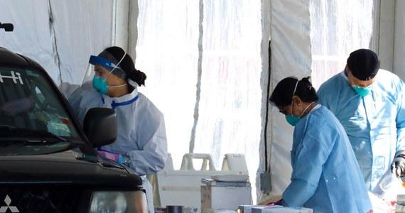 Według sondażu przeprowadzonego w USA przez Instytut Gallopa 9 proc. dorosłych osób, które podejrzewałyby, że są zakażone koronawirusem, nie szukałoby pomocy i leczenia z uwagi na koszty.