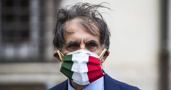 382 osoby zakażone koronawirusem zmarły minionej doby we Włoszech - podała we wtorek Obrona Cywilna. Tym samym łączny bilans zgonów wzrósł do 27359. Sytuacja epidemiczna ulega dalszej poprawie.