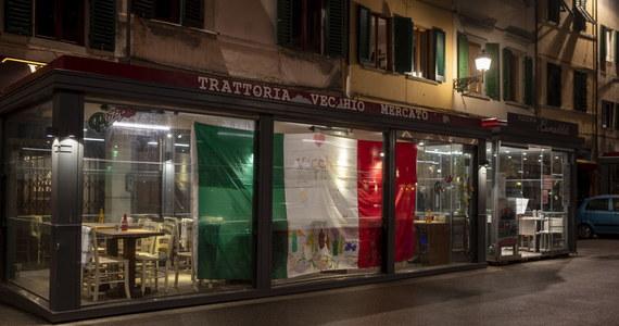 Całkowite otwarcie Włoch doprowadziłoby do tego, że na oddziałach intensywnej terapii znalazłoby się ponad 150 tysięcy osób ciężko chorych na Covid-19. Takie ostrzeżenie zostało zawarte w ogłoszonym we wtorek raporcie komitetu naukowego doradzającego rządowi.