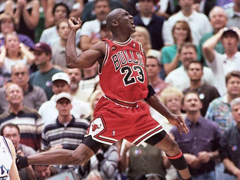 Reżyser Jason Hehir tworząc serial dokumentalny o ostatnim sezonie Michaela Jordana w drużynie Chicago Bulls, nie mógł cieszyć się pełną swobodą twórczą. Wiele kwestii musiał konsultować z legendarnym koszykarzem.