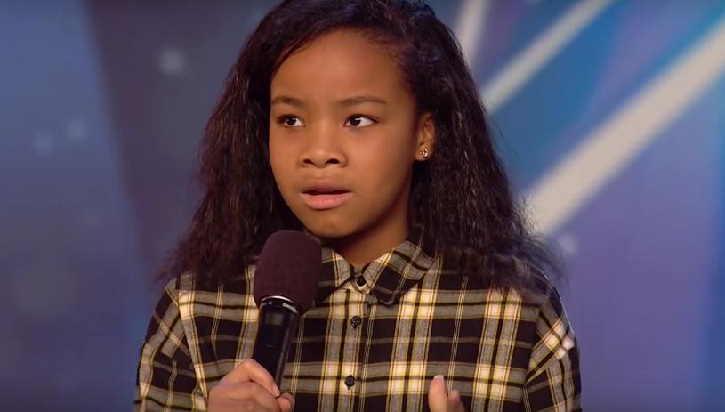 """12-letnia Fayth Ifil zaskoczyła jurorów podczas swojego występu w brytyjskiej edycji """"Mam talent"""". Młoda uczestniczka została nagrodzona złotym przyciskiem i trafiła natychmiast do półfinału."""