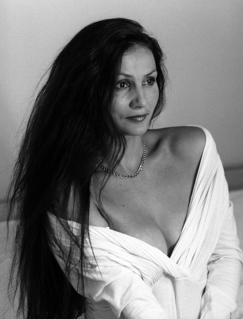 Burza czarnych włosów i południowy temperament sprawiły, że Małgorzata Pieczyńska była w latach 80. uznawana za jedną z najpiękniejszych polskich aktorek. Z okazji 60. urodzin przypominamy najważniejsze ekranowe wcielenia aktorki, która ponad 30 lat temu wyjechała z Polski do Szwecji i nigdy tego nie żałowała.