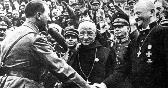 """Komisja Episkopatu Niemiec z okazji 75. rocznicy zakończenia II wojny światowej wydała specjalny dokument, który mówi o postawie biskupów niemieckich w tamtym czasie. Hierarchowie przyznali, że ich poprzednicy byli """"współodpowiedzialni za wojnę""""."""