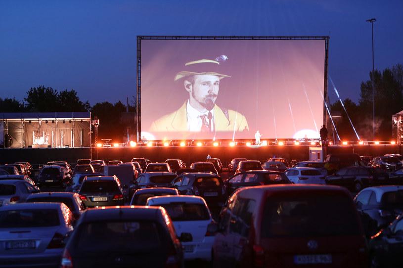Kina samochodowe i niewielkie kina studyjne być może będzie można otworzyć wcześniej - powiedział w czwartek, 30 kwietnia, wicepremier, minister kultury Piotr Gliński.
