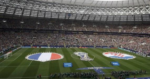 Członek Komitetu Wykonawczego UEFA Lars-Christer Olsson uważa, że koronawirus może wpłynąć nawet na mundial w Katarze w 2022 roku. Przekonuje, że epidemia będzie oddziaływała na piłkarski kalendarz międzynarodowy w okresie dwóch-trzech lat.
