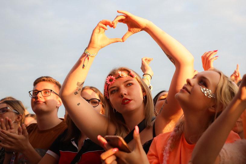 Organizatorzy Kraków Live Festival poinformowali, że w związku z pandemią koronawirusa nie odbędzie się tegoroczna edycja. Wiadomo za to, że impreza została przełożona na sierpień 2021 r.