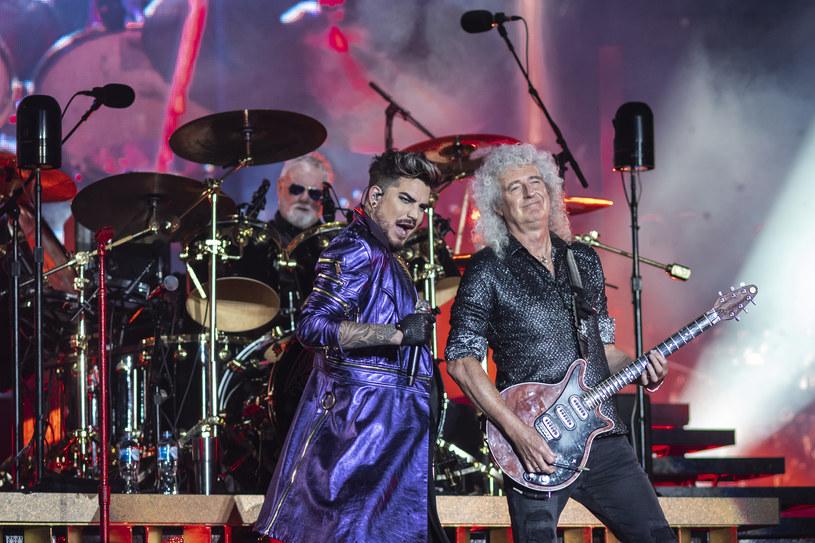 """""""You Are the Champions"""" to nowa wersja wielkiego przeboju """"We Are the Champions"""" grupy Queen. Tym razem za jej nagranie w czasach pandemii koronawirusa odpowiada Queen + Adam Lambert i jest to pierwszy ich oficjalnie wydany utwór."""