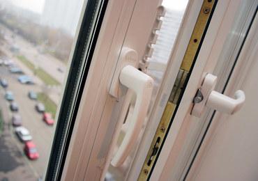 Rosja: Zakażony lekarz wypadł z okna szpitala. Wcześniej skarżył się na zwierzchników