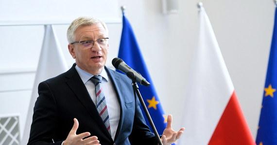"""""""Być może obecną sytuację polityczną w Polsce trudno porównać do kryzysu sprzed dwóch wieków, ale niewątpliwie - patrząc chociażby na kwestię wyborów prezydenckich – doświadczamy dzisiaj największego od 30 lat kryzysu państwa"""" – stwierdził prezydent Poznania Jacek Jaśkowiak. """"Obecne elity rządzące zakwestionowały najważniejsze założenia, na których - jako wspólnota - budowaliśmy nasze państwo, wydobywając je z pokomunistycznej zapaści"""" – ocenił."""