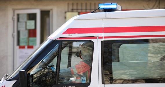 Tylko u jednego z 82 pracowników pogotowia ratunkowego w Warszawie skierowanych na kwarantannę potwierdzono koronawirusa - dowiedział się reporter RMF FM. Prawie wszystkie z tych osób wróciły już do pracy.