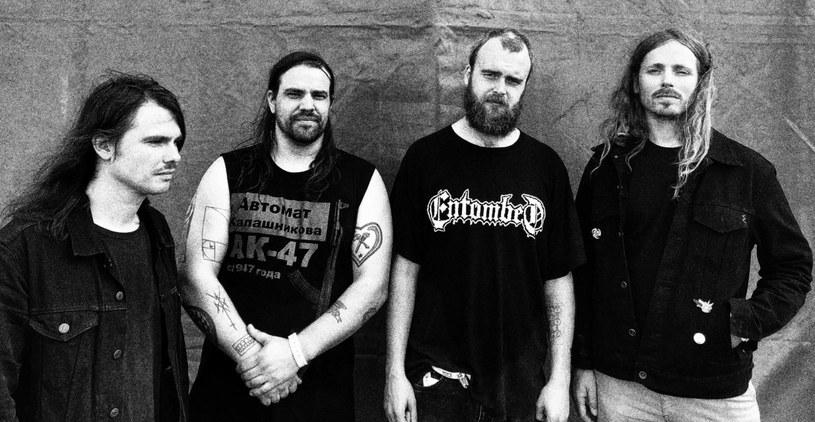 Nowo powstała, międzynarodowa grupa Living Gate podpisała kontrakt i szykuje się do wydania pierwszego materiału.