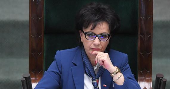 Mimo wyborczego paktu Jarosława Kaczyńskiego i Jarosława Gowina, marszałek Sejmu nie rezygnuje z wniosku do Trybunału Konstytucyjnego, w którym pyta o możliwość przełożenia terminu wyborów.