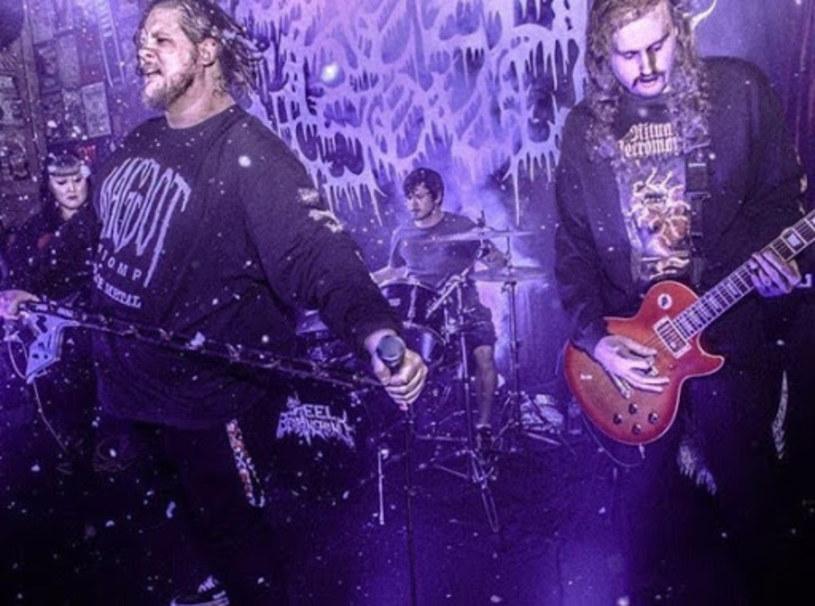 Teksańczycy z deathmetalowego Frozen Soul zarejestrowali pierwszą płytę.