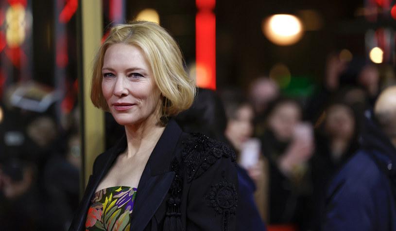 """Koniec pandemii COVID-19 wiązał się będzie dla Cate Blanchett z kilkoma nowymi wyzwaniami aktorskimi. Chcą ją bowiem zatrudnić dwaj reżyserzy, którzy pracują właśnie nad swoimi kolejnymiiprojektami filmowymi. Dwukrotna zdobywczyni Oscara ma też w planach występ w ekranizacji gry komputerowej """"Borderlands""""."""