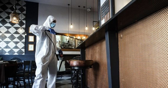We Włoszech ostatniej doby zmarły 172 osoby zakażone koronawirusem - poinformowała we wtorek Obrona Cywilna. Łączny bilans zmarłych wynosi 30911. Sytuacja ulega dalszej poprawie.