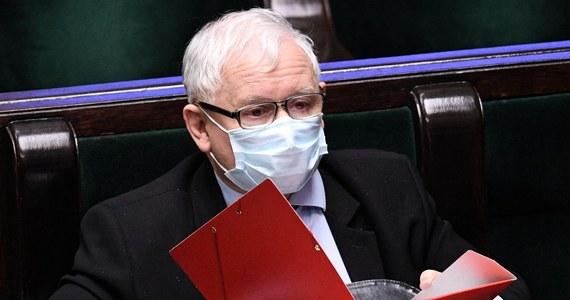 Porozumienie Centrum od początku koncentrowało się na konsekwentnej walce z korupcją - atakowano nas za to bardzo gwałtownie - wspominał we wtorek prezes PiS i jeden z inicjatorów powstania PC Jarosław Kaczyński. Jak podkreślił, PiS kontynuuje obecnie cele PC.