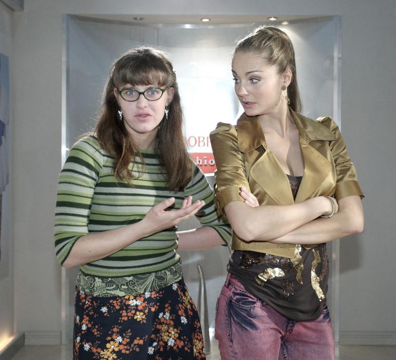 """Informacją o tym, że już za kilka tygodni rozpoczną się prace na planie nowych odcinków serialu """"BrzydUla"""", który przyniósł ogromną popularność Julii Kamińskiej i Filipowi Bobkowi, podzieliła się w mediach społecznościowych Małgorzata Socha. Aktorka ponownie wcieli się w postać Violetty, która jest jedną z jej najbardziej pamiętnych kreacji aktorskich."""