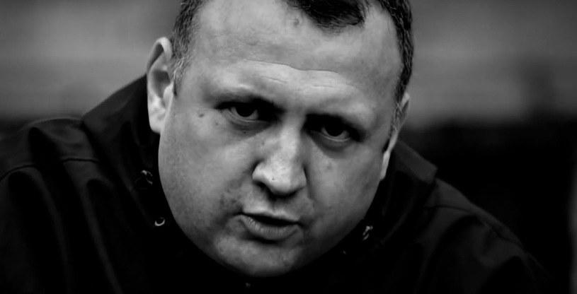 9 maja na zawał serca zmarł raper Kłyza. Fani wsparli finansowo rodzinę w organizacji pogrzebu.