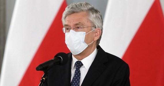Senat odwołał Stanisława Karczewskiego (PiS) z funkcji wicemarszałka Senatu. Za jego odwołaniem było 93 senatorów, przeciw jeden, 2 wstrzymało się od głosu. Nowym wicemarszałkiem izby wyższej parlamentu został Marek Pęk z Prawa i Sprawiedliwości.