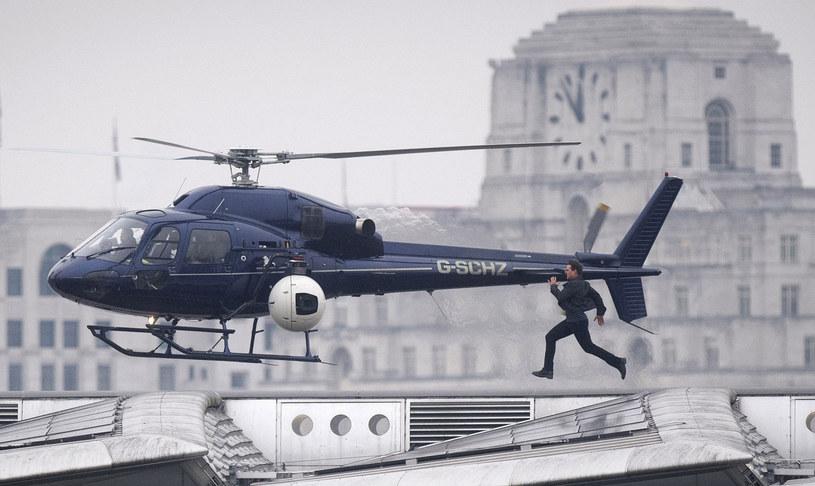 """Jednym z najgorętszych tematów ostatnich dni jest sprawa ewentualnej wizyty amerykańskich filmowców w Polsce. A konkretniej w Pilichowicach na Dolnym Śląsku. Właśnie tam planują wysadzić w powietrze 114-letni most. Wszystko na potrzeby tajemniczego projektu pod kryptonimem """"Libra"""". Mówi się, że chodzi o siódmą część serii """"Mission: Impossible"""" z Tomem Cruisem w roli głównej."""