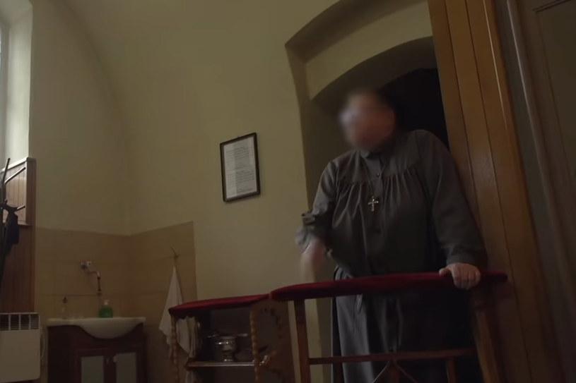 """W sobotę, 16 maja, o 10:00 swoją premierę na YouTubie miał najnowszy dokument braci Tomasza i Marka Sekielskich o molestowaniu seksualnym w Kościele zatytułowany """"Zabawa w chowanego""""."""