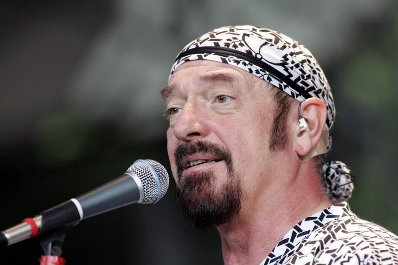 Ian Anderson - lider Jethro Tull - przyznał ostatnio, że cierpi na przewlekłą obturacyjną chorobę płuc (POChP), która powoli go zabija. Teraz wytłumaczył, o co chodziło.