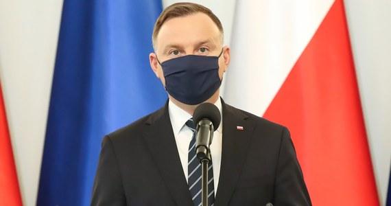 Rafał Trzaskowski będzie musiał dzielić swój czas na prowadzenie kampanii wyborczej i wypełnianie zobowiązań złożonych warszawiakom półtora roku temu - podkreślił w sobotnim wywiadzie dla portalu wPolityce.pl prezydent Andrzej Duda.