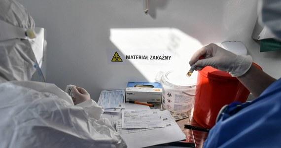 Trwają badania górników z kopalń, w których stwierdzono najwięcej zakażeń koronawirusem wśród pracowników. Tylko dziś ma zostać wykonanych 5 tys. testów, podobną ilość wymazów pobrano już wczoraj. Obecnie badani są górnicy, u których pierwsze testy dały wynik ujemny.