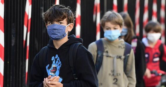 Najwięcej aktywnych zakażeń wywołanych przez koronawirusa SARS-CoV-2 jest obecnie w USA, Rosji i Brazylii. W Europie Zachodniej sytuacja epidemiczna się stabilizuje. W sumie od wybuchu pandemii odnotowano 4,8 mln zakażeń, ale obecnie występuje ponad 2,6 mln infekcji - wynika z danych Światowej Organizacji Zdrowia (WHO).