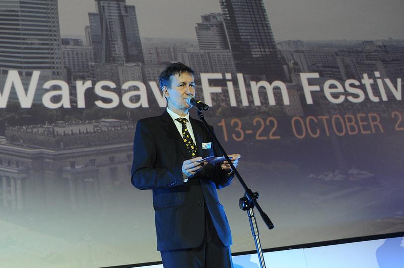 """""""Do zobaczenia w październiku"""" - napisał w poniedziałek, 18 maja, w specjalnym liście Stefan Laudyn, dyrektor Warszawskiego Festiwalu Filmowego. Nie ma w nim żadnych konkretów odnośnie tego, czy festiwal odbędzie się w planowanym terminie, czyli w dniach 9-18 października tego roku. Jest jednak nadzieja na to, że tak właśnie będzie."""