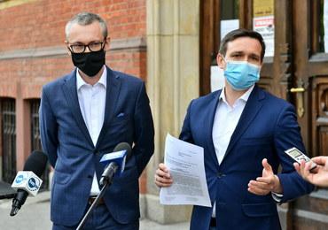 Poseł zawiadomił prokuraturę ws. działań Morawieckiego i Sasina. Chodzi o wybory i maseczki