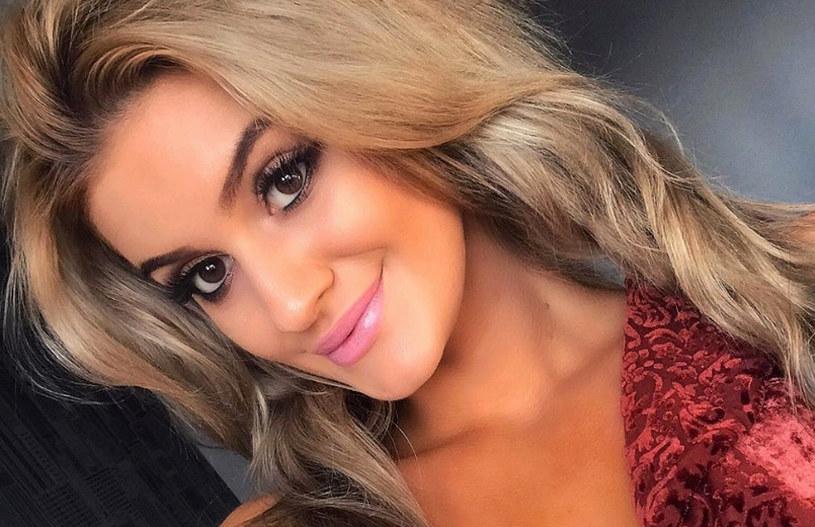 """Sandra Mosakowska była jedną z uczestniczek pierwszej polskiej edycji """"Hotelu Paradise"""". Teraz zamieściła w sieci ostry wpis, w którym nie szczędzi mocnych słów. Nie chce mieć nic wspólnego z uczestnikami programu."""