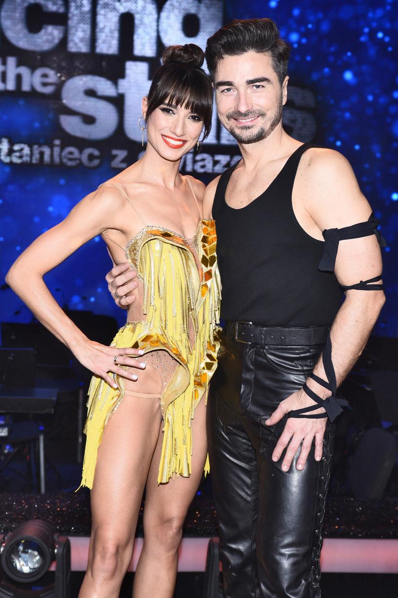 """Lenka Klimentova, znana widzom z """"Tańca z Gwiazdami"""", postanowiła rozgrzać swoich instagramowych fanów i podarować im odrobinę słońca. Na profilu tancerki pojawił się kadr w bikini, który odsłonił jej nienaganna sylwetkę!"""