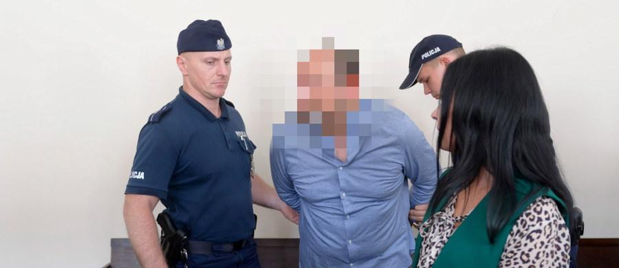 """Poręczenie majątkowe za """"Hossa"""" – Arkadiusza Ł., nazywanego królem mafii wnuczkowej – zostało wpłacone. W piątek Sąd Apelacyjny w Poznaniu ma podjąć decyzję w sprawie zwolnienia """"Hossa"""" z aresztu."""