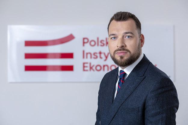/Szef Polskiego Instytutu Ekonomicznego Piotr Arak /