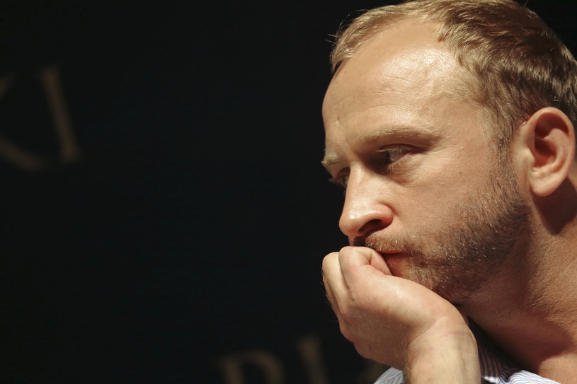 """Nie trzeba było długo czekać na reakcje gwiazd po emisji dokumentu """"Nic się nie stało"""" w TVP, zapowiadanego jako wstrząsająca relacja o pedofilii wśród elit i w środowisku celebrytów. """"Ten poziom manipulacji i kłamstwa jeszcze mnie w życiu nie spotkał"""" - napisał w czwartek na Facebooku Borys Szyc."""