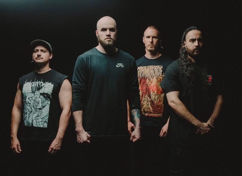 Australijczycy z deathcore'owego Aversions Crown wypuszczą w czerwcu nową płytę.