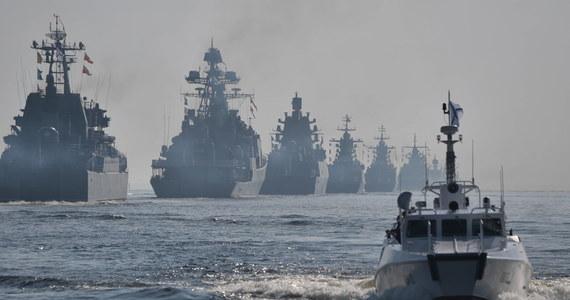 """Rosyjska Flota Bałtycka trzyma na celowniku nuklearne plany Polski - pisze """"Niezawisimaja Gazieta"""". Komentując możliwość rozmieszczenia w Polsce broni jądrowej USA dziennik podkreśla, Rosja przygotowuje duże ćwiczenia z udziałem swojej Floty Bałtyckiej."""