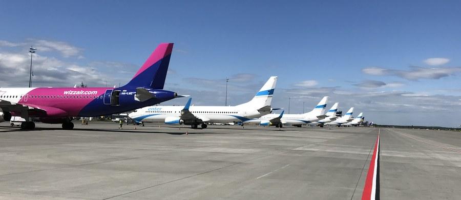 Od 1 czerwca mają być wznowione krajowe pasażerskie połączenia lotnicze. Z powodu pandemii koronawirusa samolotowy ruch pasażerski został wstrzymany ponad dwa miesiące temu. Teraz na lotniskach trwają przygotowania do wznowienia lotów. Tak jest m.in. w porcie lotniczym Katowice w Pyrzowicach.