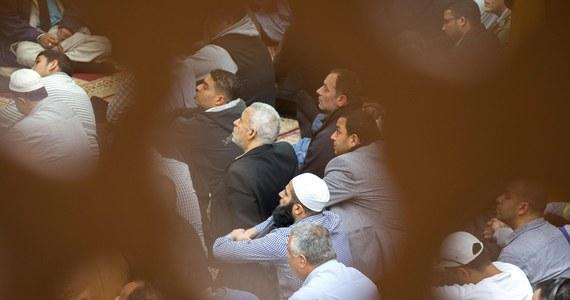 Kościół w Berlinie otworzył swoje drzwi dla muzułmanów, którzy – ze względu na obostrzenia związane z koronawirusem – nie zmieścili się w meczecie.