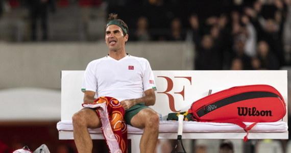 Słynny szwajcarski tenisista Roger Federer zawiesił treningi podczas wydłużającej się przerwy związanej z pandemią koronawirusa. Zamierza do nich powrócić, gdy wyjaśni się sprawa wznowienia rywalizacji.