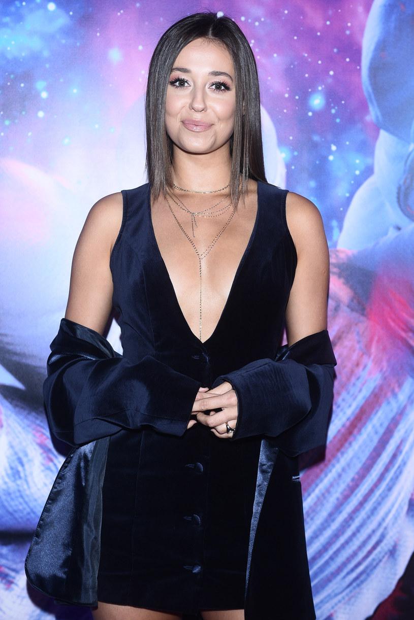 Gwiazda TVP Izabella Krzan, narzekając na jesienną aurę, podzieliła się z fanami zdjęciami ze słonecznej Grecji, na których prezentuje się bez stanika.
