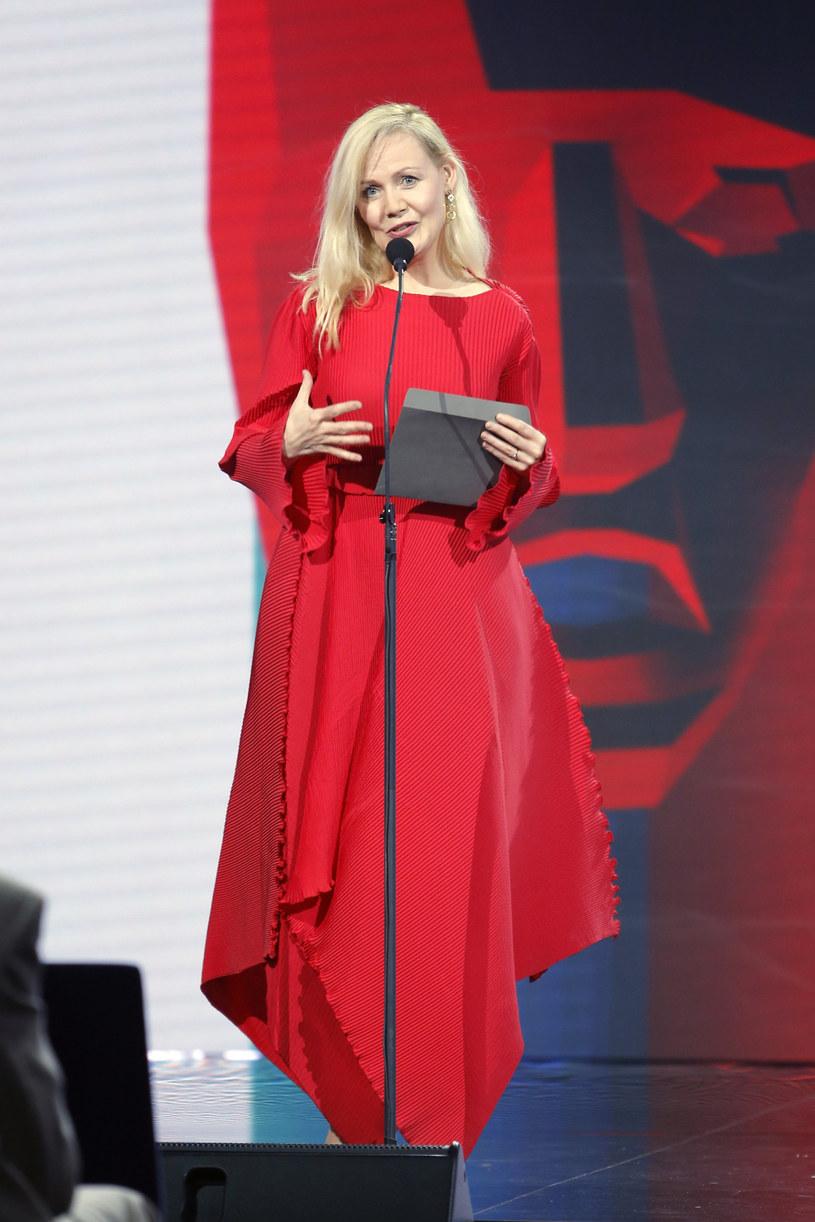 Katarzyna Stoparczyk, autorka dziecięcych audycji w radiowej Trójce, po 19 latach postanowiła odejść ze stacji. To kolejne głośne rozstanie z publicznym nadawcą w ostatnim czasie.