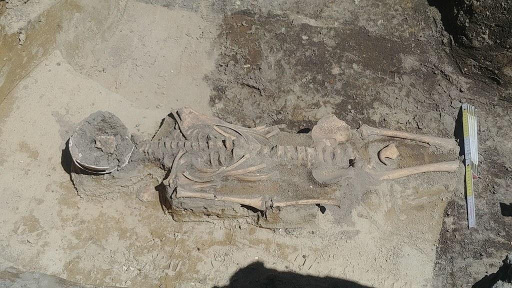 Zdjęcia otrzymane od krakowskich archeologów