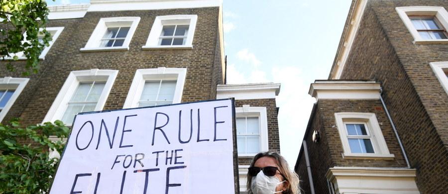 Dominic Cummings, główny doradca brytyjskiego premiera Borisa Johnsona, wyjaśniał okoliczności swojego wyjazdu do Durham podczas zakazu podróży. Powiedział, że wszystko, co zrobił było zgodne z zasadami, ale decyzja o jego przyszłości należy do premiera.