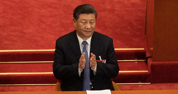 Pandemia koronawirusa wywiera głęboki wpływ na światowy porządek oraz bezpieczeństwo narodowe i rozwój Chin, a chińska armia musi podnosić gotowość do konfliktu zbrojnego - oświadczył przywódca ChRL Xi Jinping, cytowany przez chińską agencję Xinhua.