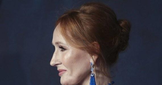 """J.K. Rowling, autorka serii o Harrym Potterze, publikuje w internecie książkę dla dzieci pod tytułem """"The Ickabog"""". Będzie ona dostępna bezpłatnie - poinformowała na Twitterze brytyjska pisarka. Pierwszy rozdział ukazał się we wtorek. Kolejne rozdziały będą publikowane na stronie theickabog.com codziennie do 10 lipca."""