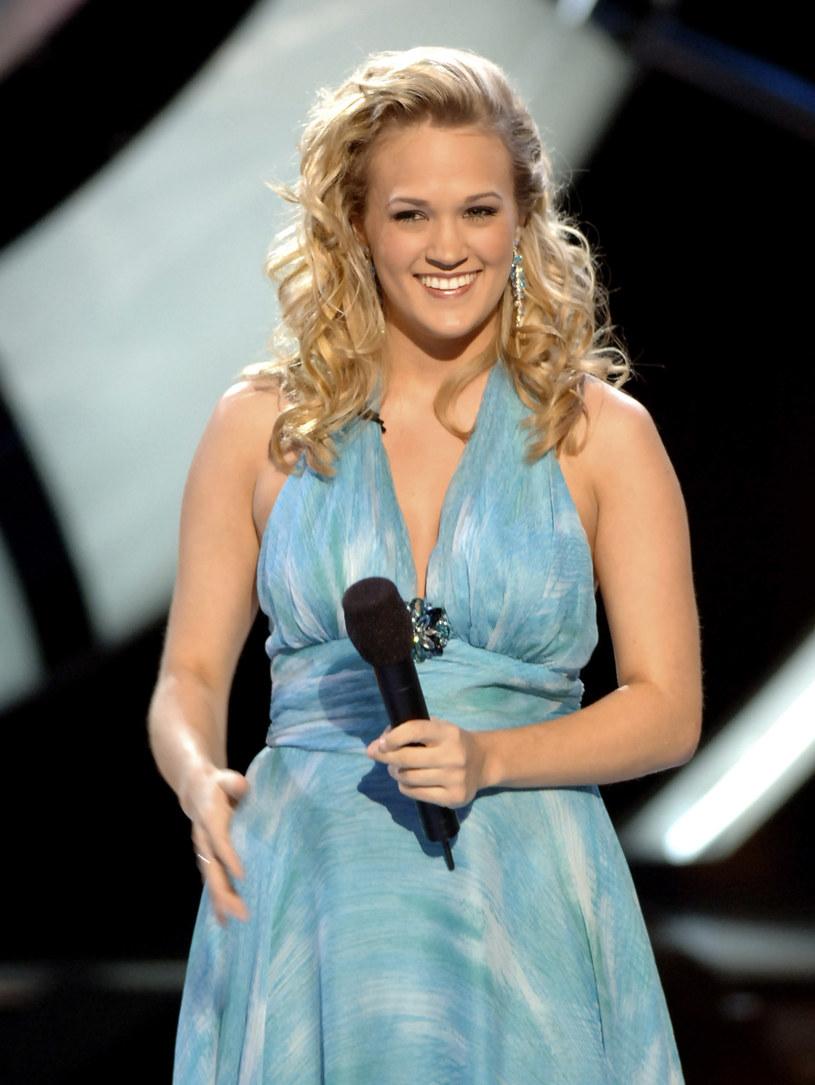 """Carrie Underwood świętuje 15. rocznicę zwycięstwa w amerykańskim talent show """"Idol"""". Wokalistka z tej okazji opublikowała na Facebooku specjalne nagranie."""